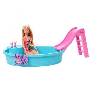 Barbie muñeca con piscina, tobogán y Accesorios